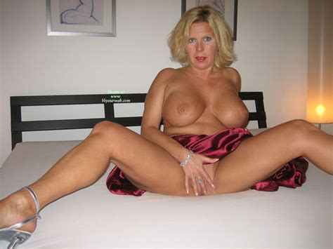 Fame Hall Mature Milf Hot Nude 18