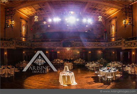 detroit wedding photography   gem theatre arising