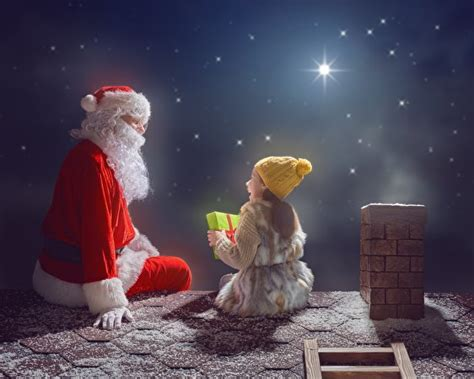 Photo Little Girls Christmas Roof Winter Hat Santa Claus