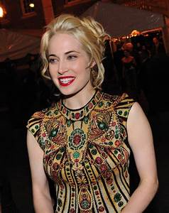 Charlotte Sullivan Weight Height Ethnicity Hair Color