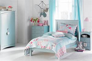 Blue bedrooms for girls home decor gallery for Ideas for girls rooms done in baby blue
