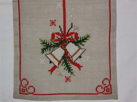 Beautiful Christmas Cross Stitch Embroidered Tablerunner In