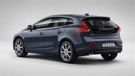 Volvo V40 D4 Inscription 2016 review | road test | CarsGuide