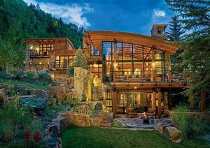 A, Curvy, Modern, Home, Connected, To, The, Mountains