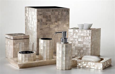Trendy Modern Bathroom Accessories Set