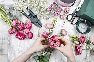 Ausgefallene Hochzeitsdeko Ideen : hochzeitsdeko blumengestecke selber machen ~ Frokenaadalensverden.com Haus und Dekorationen