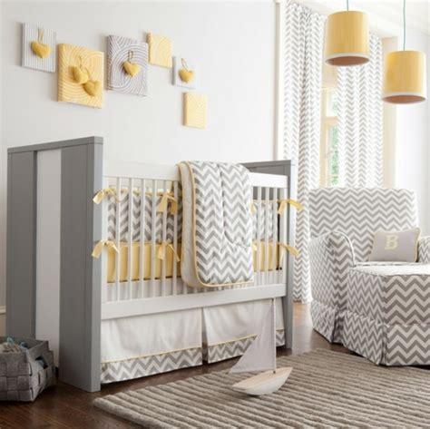 chambre bébé jaune et gris déco chambre bébé jaune