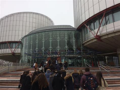 Sede Parlamento Sede Parlamento Europeo Lussemburgo En Madrid A Roma