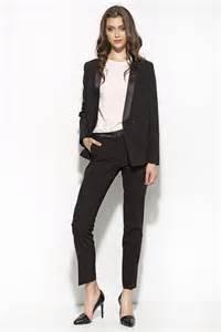 tailleur pantalon chic pour mariage les 25 meilleures idées de la catégorie ensemble tailleur femme sur ensemble