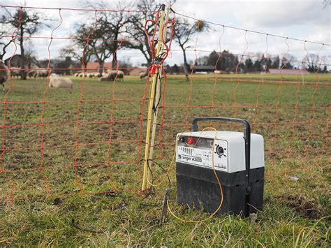 File Electric Fence Charger Wikimedia Commons