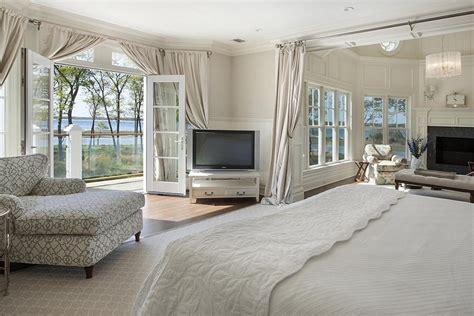 Master Bedroom Window Treatments-small House Interior