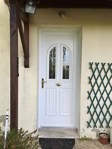 pose d39une porte d39entree en pvc blanc realisation de la With porte d entrée pvc en utilisant promotion fenetre pvc