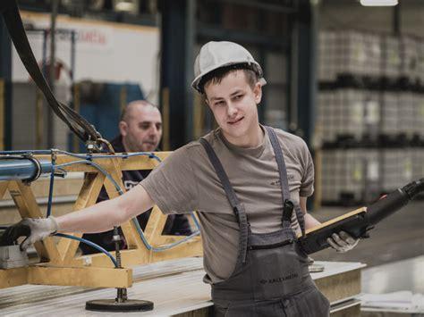 Ciemojamies Kašūbijas rūpnīcā — reportāža