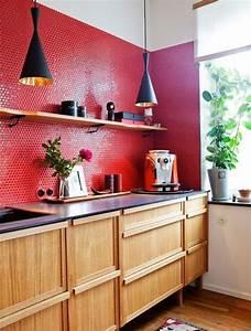 cuisine rouge idees decoration cuisine rouge With cuisine bois et rouge