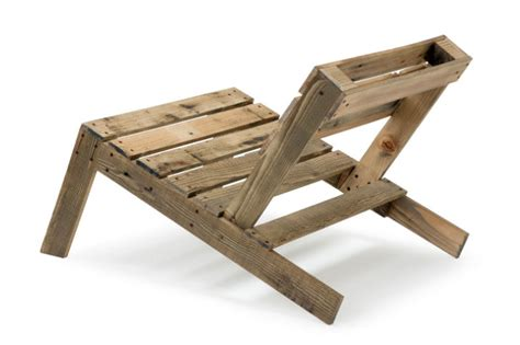 make your own diy shipping pallet furniture with
