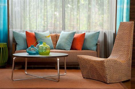 sofa verde y naranja c 243 mo combinar un sof 225 marr 243 n hogarmania