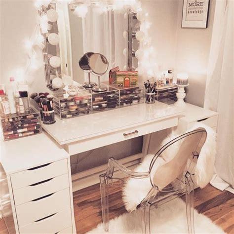 best 25 diy vanity mirror ideas on diy makeup vanity mirror vanity and lighted mirror