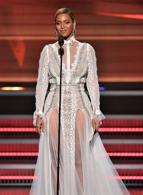 OOPS! Beyonce Had The Worst Wardrobe Malfunction, Exposes ...