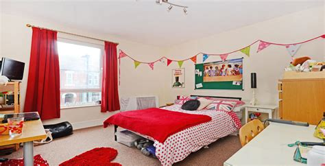 bed property   ecclesall road gnome student homes