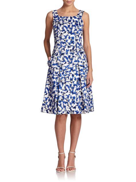 printed sleeve shift dress lyst carolina herrera gaspar print a line dress in blue