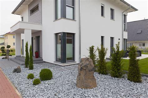 Schöner Moderner Garten by Studio Design Mediteraner Garten