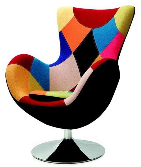 fauteuil contemporain excentrique et fonctionnel archzine fr