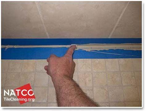 Caulking Bathroom Tile by 17 Best Ideas About Caulking Tub On Caulking