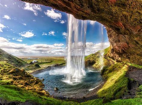 List Most Amazing Waterfalls Around The World
