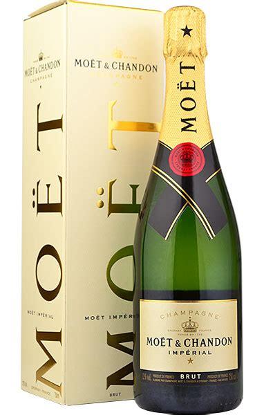Moet & Chandon Brut NV Champagne in Moet Box ...