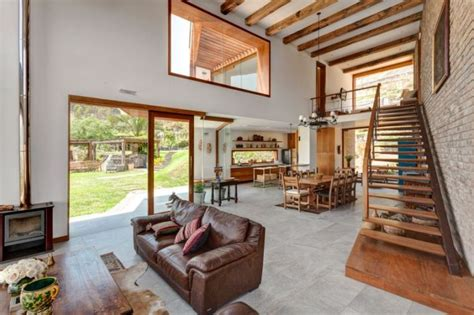 maison brique et bois magnifique maison en brique dans le d 233 sert p 233 ruvien