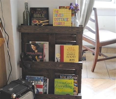 diy pallet bookshelf plans  instructions wooden