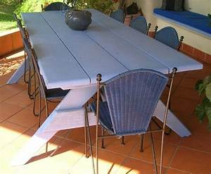 Grande Table De Jardin : vends grande table de jardin en bois massif tout vendre dans ma maison ~ Teatrodelosmanantiales.com Idées de Décoration