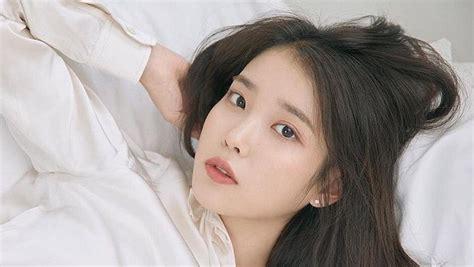 bintangi drama korea hotel del luna  cantik iu sempat