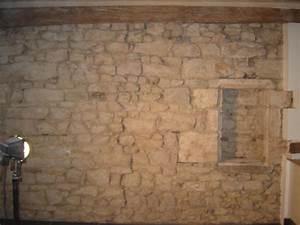 Mur Pierre Apparente : rejointement a la chaux du mur en pierre enint rieur ~ Premium-room.com Idées de Décoration