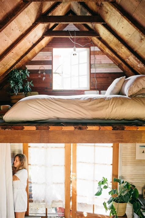 incredibly cozy  square foot cabin   pacific northwest  room cabins  room