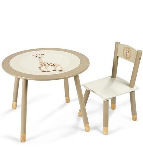 décoration de chambre de bébé impression de l 39 article table et chaise la girafe
