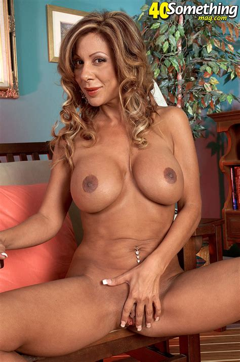 Milf Lady Smokin Sexy - Appetizing Moms