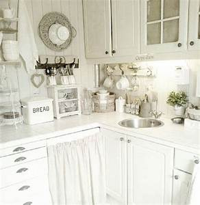 Shabby And Charme : shabby and charme a real kitchen of a young norwegian mother white love pinterest read ~ Farleysfitness.com Idées de Décoration