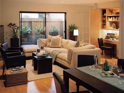 Living Room Decorating Ideas For Small Rooms by Townhouse Living Townhouse Living Room Design Townhouse