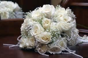 wedding bouquet ideas gorgeous white bridal bouquet ideas pictures