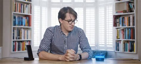 Viral James Veitch Krijgt Ruzie Met Siri En Alexa