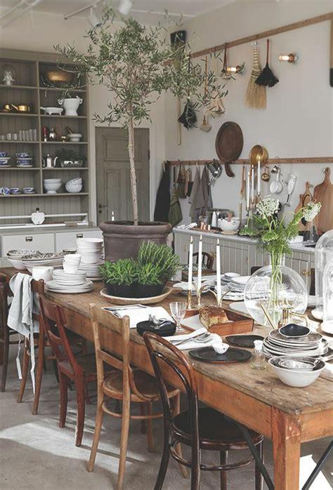 table cuisine bois massif la cuisine en bois massif en beaucoup de photos