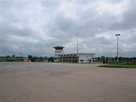 Yamoussoukro Airport - Wikipedia
