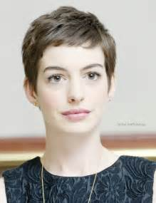 Chic Look Celebrities Hairstyles in Pixie Cut - Be Modish