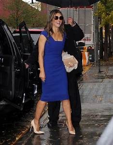 Elizabeth Hurley flashes her cleavage as she showcases her ...