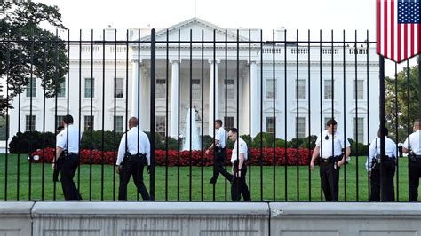 white house security white house security breach climbs fences makes it