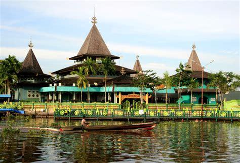 10 Tempat Wisata di Banjarmasin yang Wajib Dikunjungi