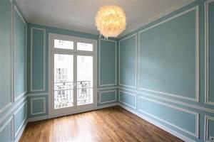 Moulure Bois Mur : petite chambre bleu avec moulure chambre enfant ~ Zukunftsfamilie.com Idées de Décoration