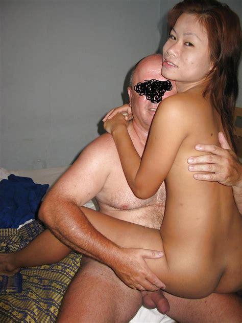 Young Naked Bar Girl New Porno