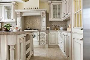 Antique white kitchen cabinets with glaze home design ideas for Kitchen colors with white cabinets with wagon wheel wall art
